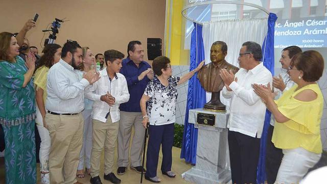 Reconocen legado educativo del primer gobernador de BCS