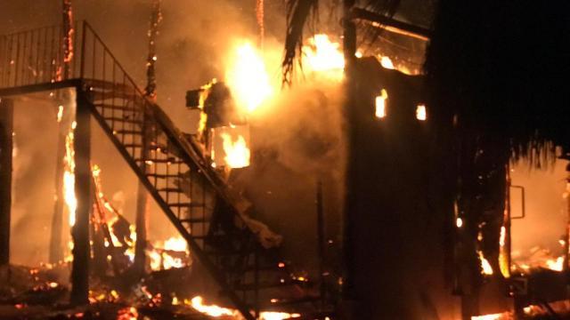 Por incendio quedó en pérdidas totales restaurante de Cerritos