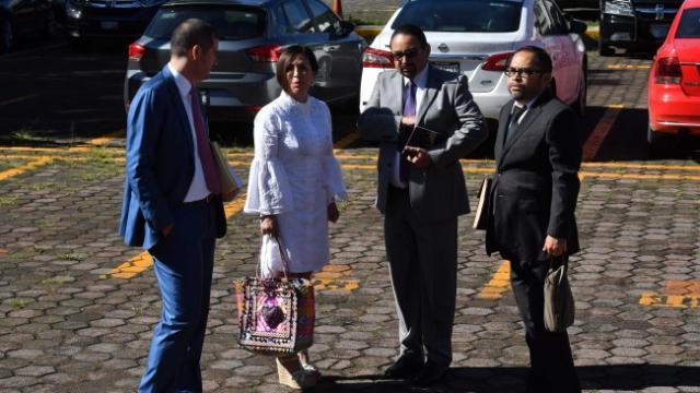 Llega Rosario Robles al Reclusorio Sur para comparecencia