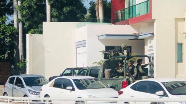Registra enfrentamientos armados en zona centro de Culiacán; habrían detenido a Archivaldo Guzmán