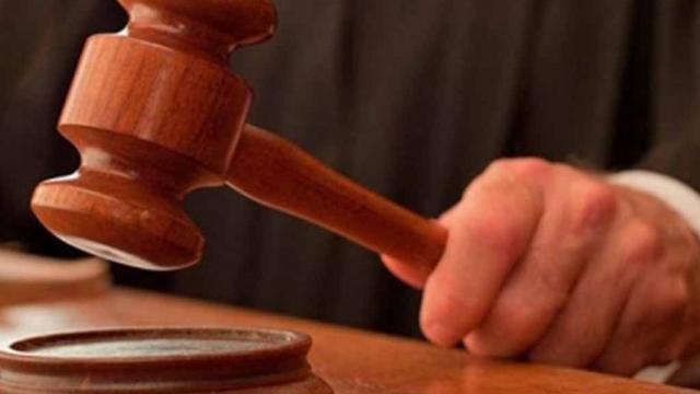 Juez tailandés intenta suicidarse en plena audiencia