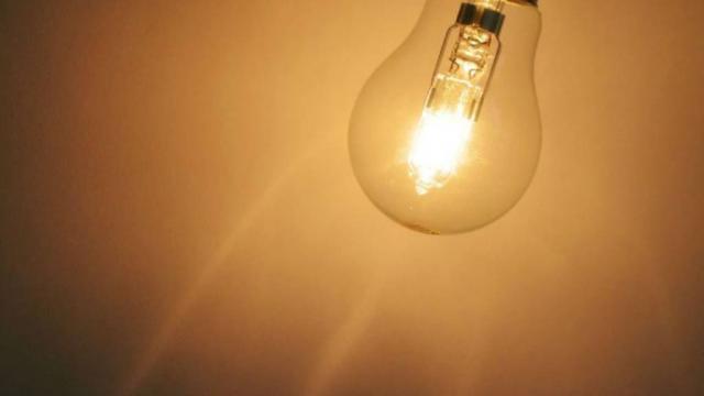 Dormir con la luz prendida podría ser mortal, revela estudio