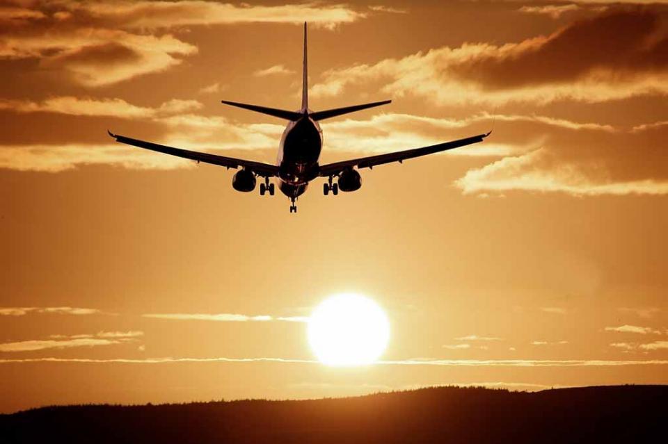 Cancelan 500 vuelos en Los Cabos