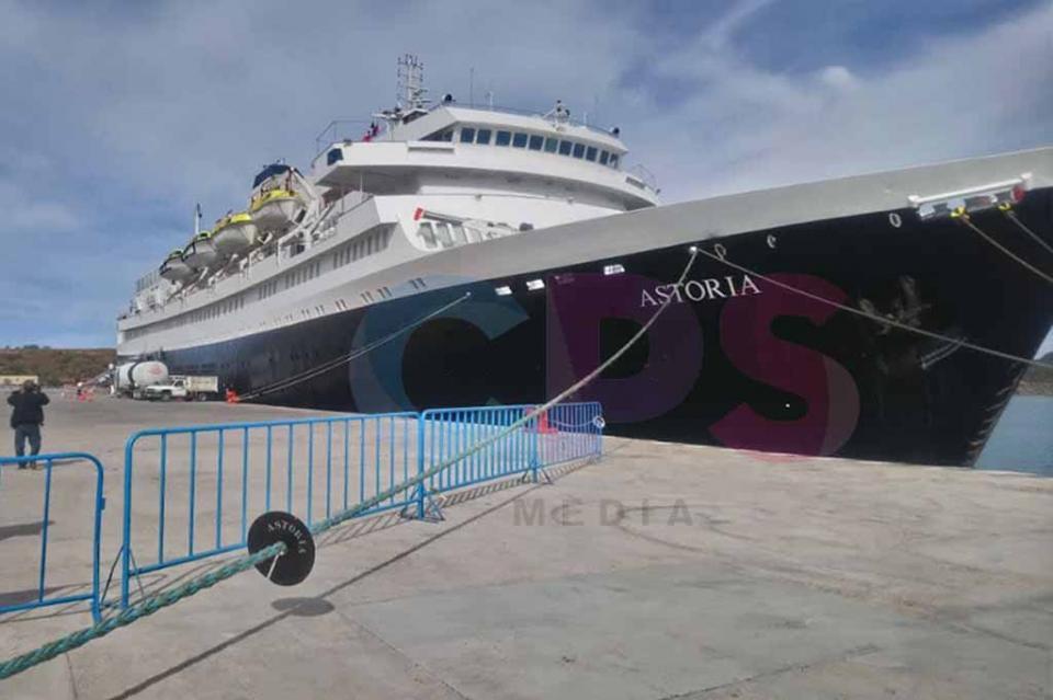 Atraca crucero Astoria en La Paz; el 70% de pasajeros son de Arizona, EUA