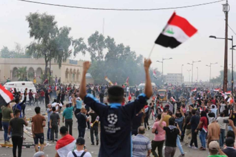 Atacan a manifestantes opositores en Iraq