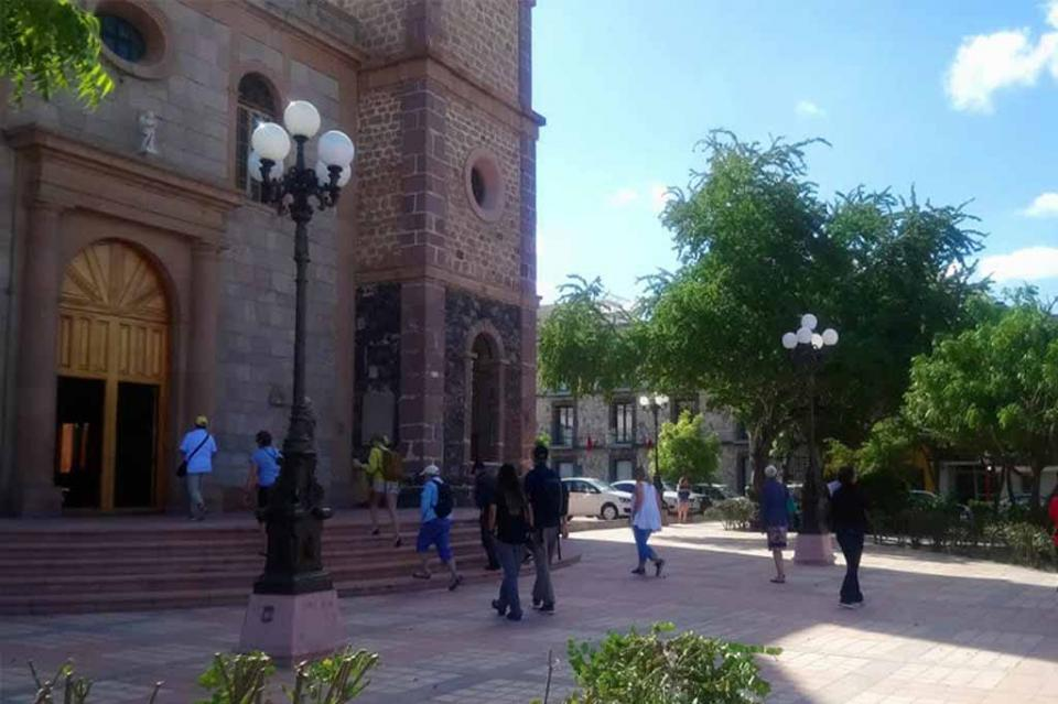 Cobrarán en breve impuesto a visitantes extranjeros en La Paz y Loreto