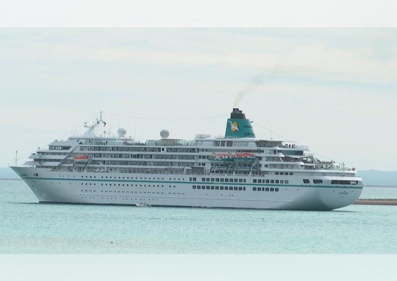 Cautiva La Paz a cruceristas europeos; arriban 500 en el Amadea