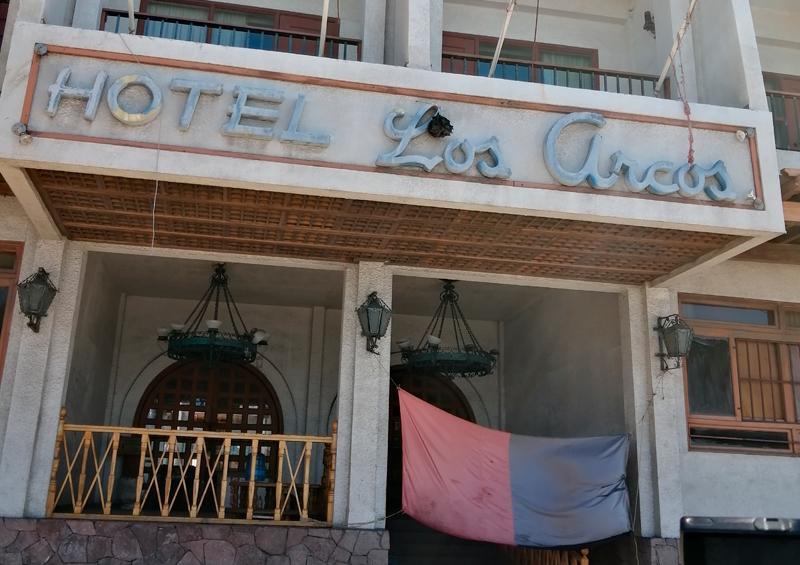 Esperan resolución federal para poder rematar hotel Los Arcos