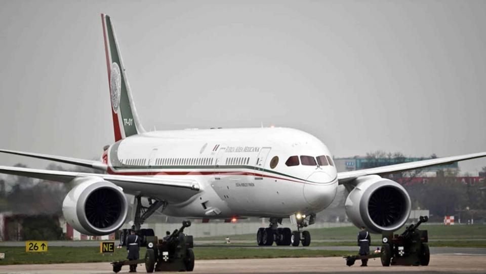 AMLO propone que ganadores de rifa reciban dinero en lugar del avión
