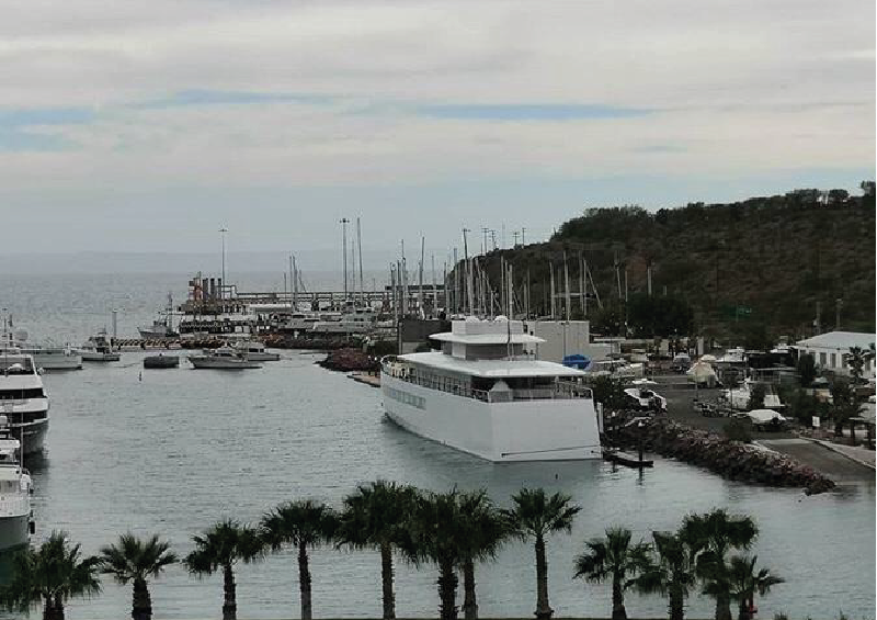 El yate de Steve Jobs se encuentra en Marina de La Paz