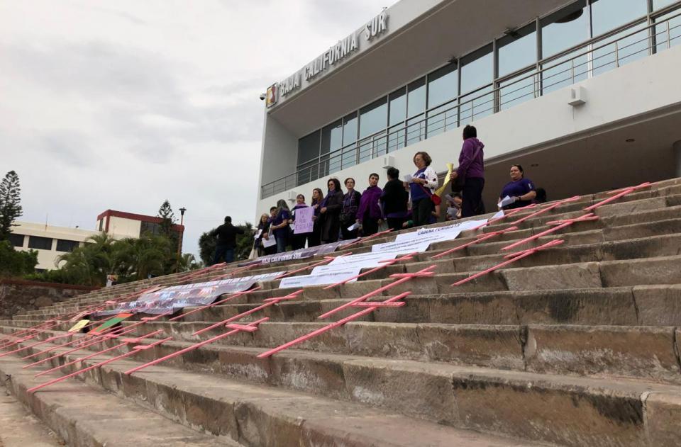 Mujeres hicieron cadena humana exigiendo alto a la violencia en BCS