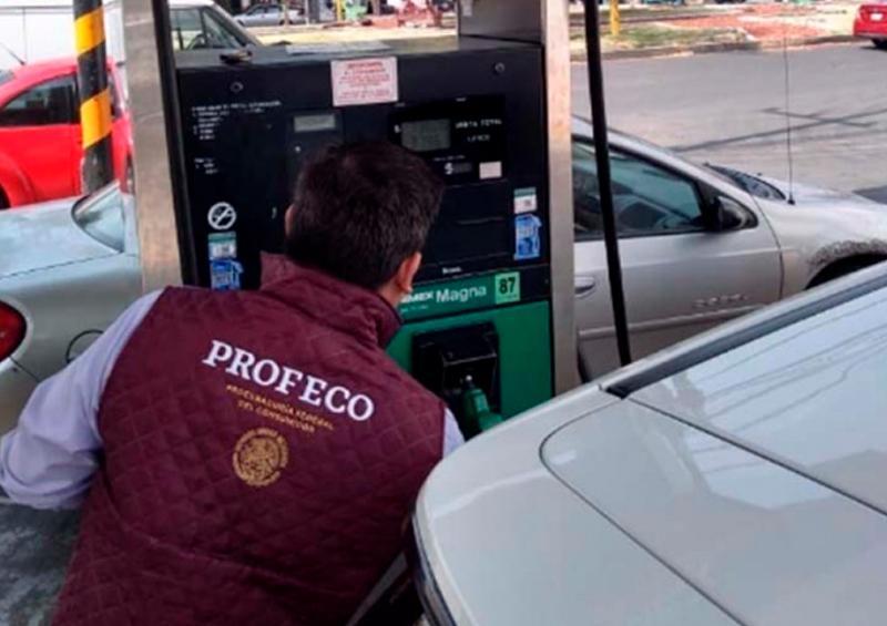Profeco presenta informe con gasolineras que dan litros incompletos