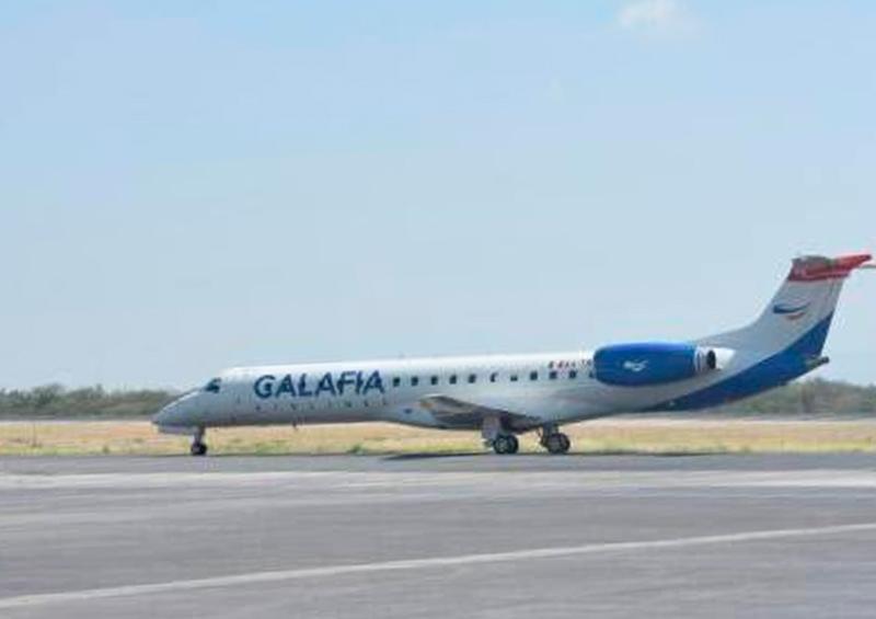Por fallas, desvían avión de Calafia Airlines en pleno vuelo.