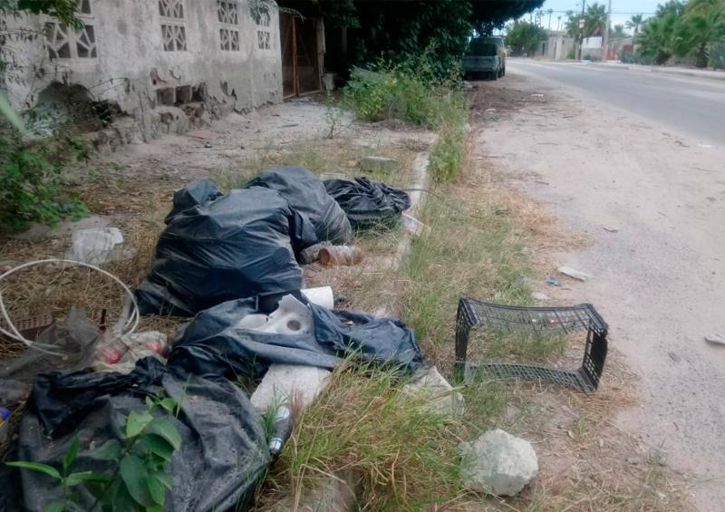 Multan a 2 personas por semana por arrojar basura