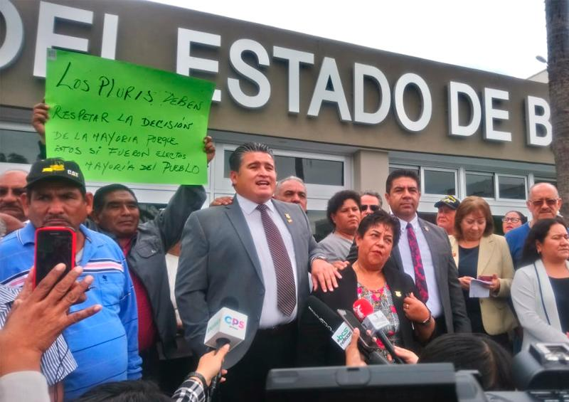Diputación Permanente y oposición actuaron ilegalmente: Humberto Arce