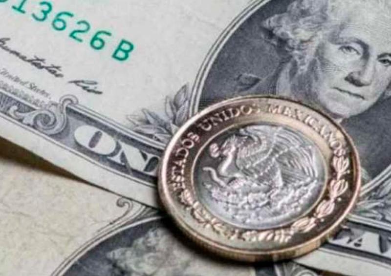 Continúan depreciación del peso y temor por riesgos sobre Pemex