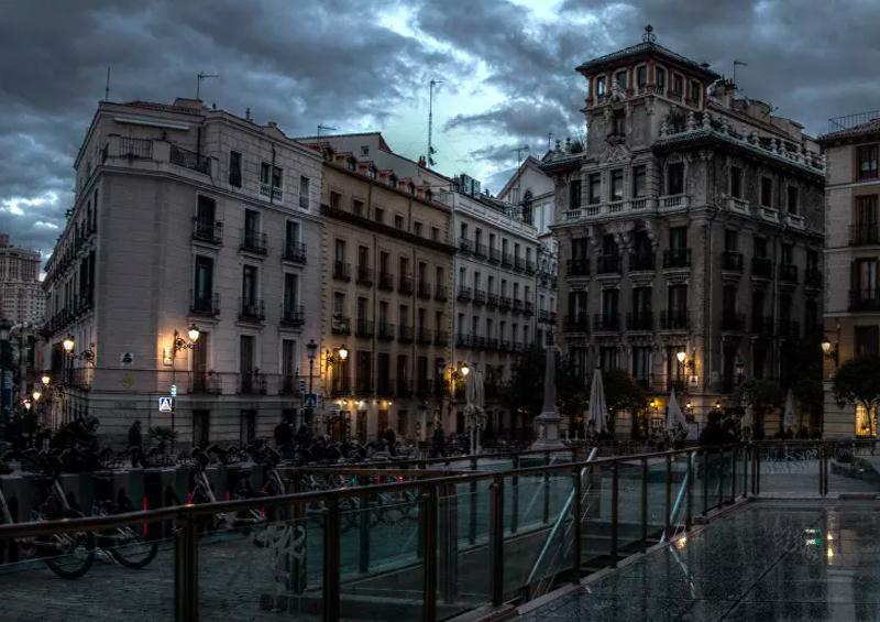 España cierra todos los hoteles por coronavirus