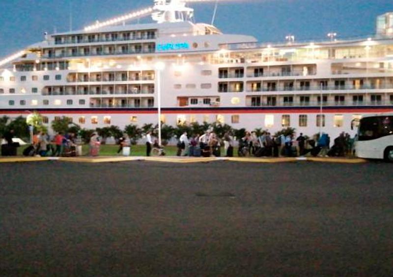 Evacúan a pasajeros del crucero Europa en Puerto Vallarta