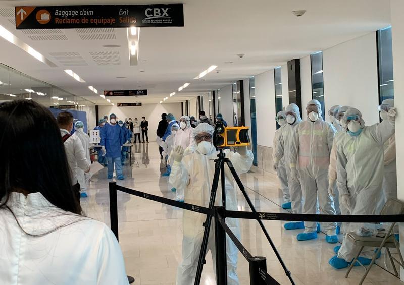 Líneas aéreas de todo el mundo paran actividades por pandemia