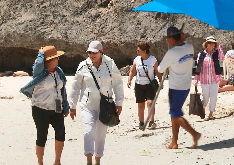 Bañistas continuan sin acatar indicaciones en playas de La Paz