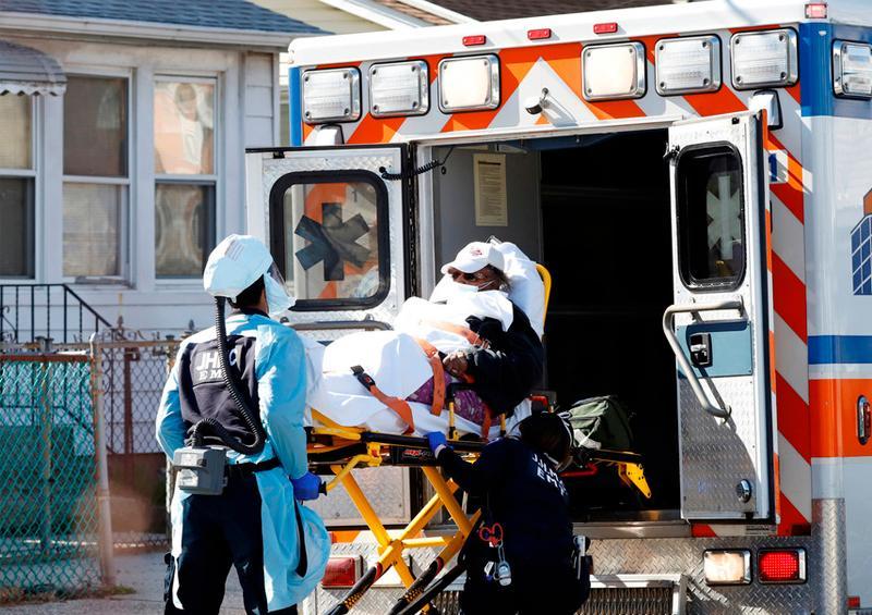 Aumenta a más de 700 el número de fallecidos por el covid-19 en EE.UU.