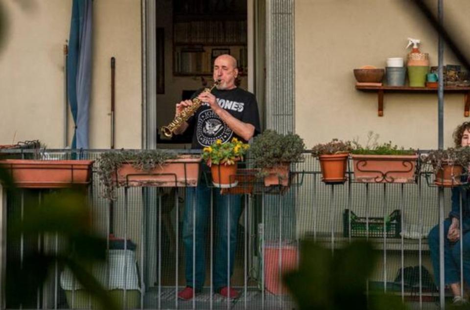 Las calles de Italia se llenan de música en plena cuarentena