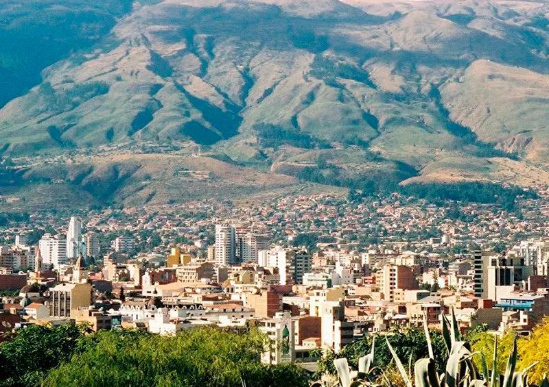 Cocaleros reparten 150 toneladas de alimentos en Bolivia