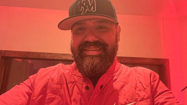 Ricardo Muñoz, vocalista de Intocable, se vacunó contra Covid