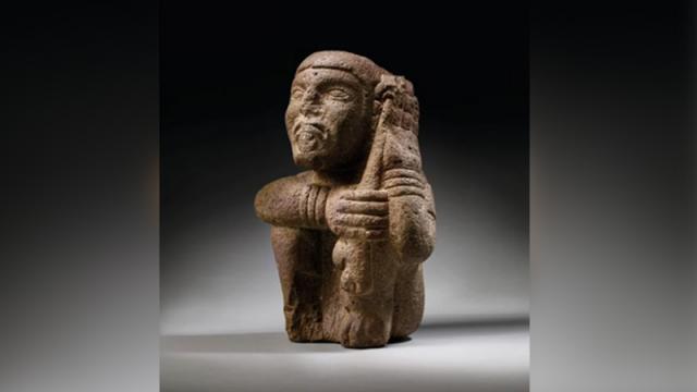 Piezas prehispánicas subastadas en Francia