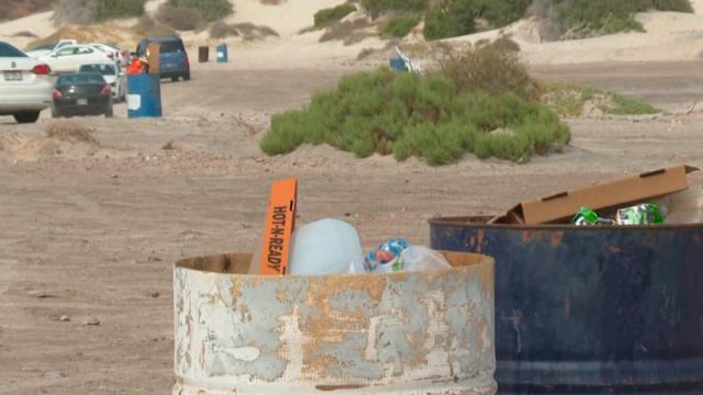 Contenedores de basura en Playas