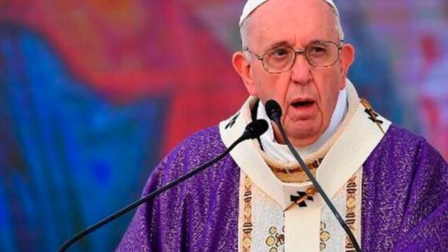 """Papa acepta renuncia de obispo mexicano """"antimascarillas"""""""