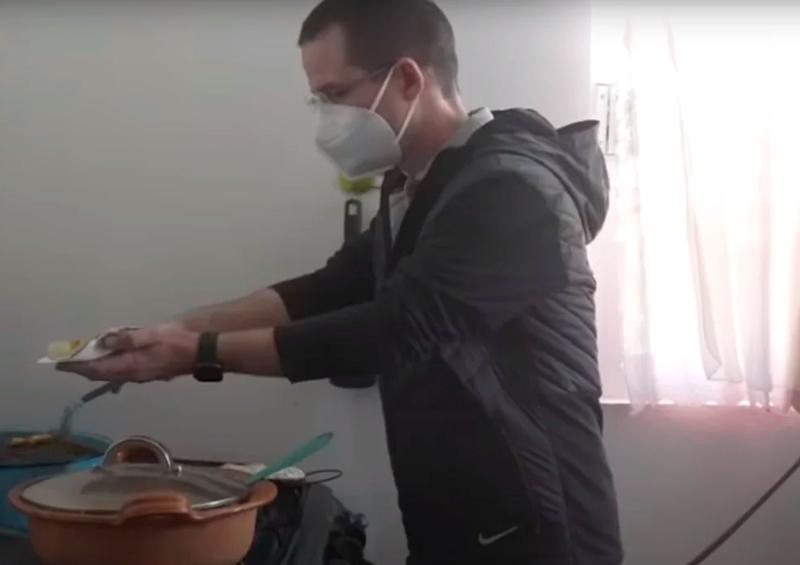 """Ricardo Anaya celebra el Día del Taco """"en la fila de las tortillas"""""""