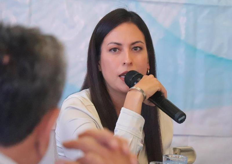 Recibe Milena Quiroga propuestas del CCE