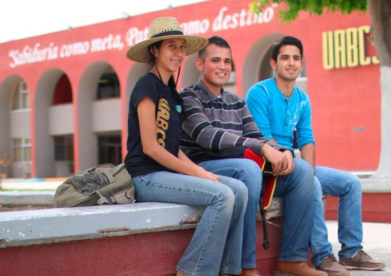 Abre UABCS oferta de becas estudiantiles
