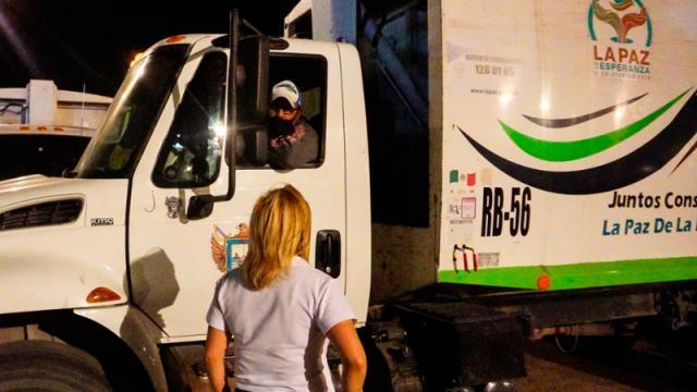 Azucena Meza promete garantías a trabajadores de Servicios Públicos