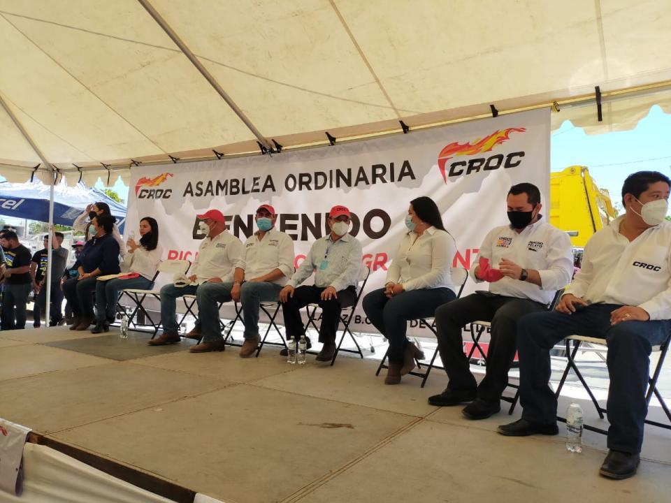 Ricardo Barroso sostiene encuentro con miembros de la CROC