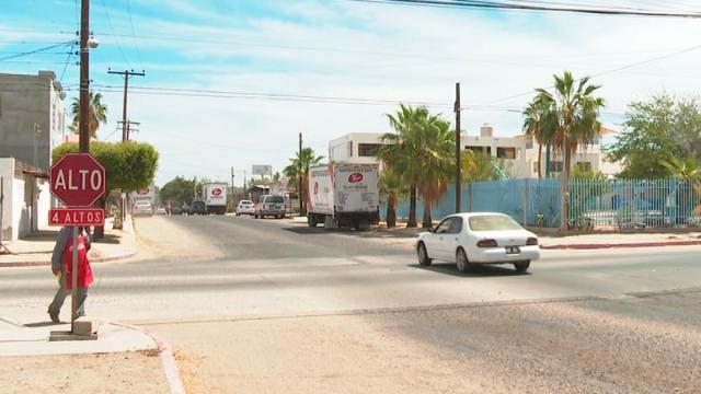 Sigue sin funcionar el semáforo de Colima y Altamirano