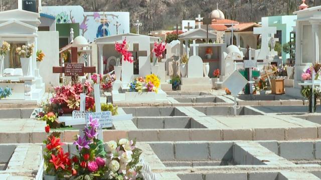 Panteones de La Paz se mantendrán cerrados este 10 de mayo