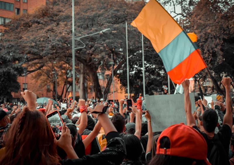 Protestas en Colombia dejan al menos 19 muertos