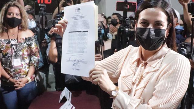 Recibe Milena Quiroga constancia de mayoría como Presidenta Municipal electa de La Paz